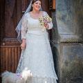 SPOSA CON CANE CHE PARTECIPA ALLE NOZZE WEDDING DOGS SITTER NAPOLI VILLA CLERMONT