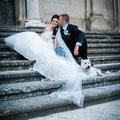 Sposi con il cane al matrimonio