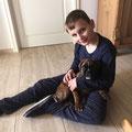 Aaron mit seinem Freund Oscar