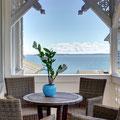Zweiter Balkon zur Landseite mit seitlichem Meerblick. Ideal zum sonnigen Kaffeetrinken am Nachmittag. Zugang über den Hauslur.