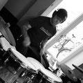 Musikschule Boenigk Musiklehrer in Soest, - Unser Dirk erteilt Schlagzeugunterricht und Cajonunterricht.