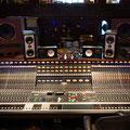 "Pink Floyd ""Wish You Were Here""のレコーディングで使用されたEMI Neve 72 チャンネルコンソールがウォームで鮮烈な音を創出。"