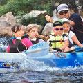 Enfants en canoë avec moniteur BE, en sud Ardèche