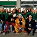 Foto mit den Fans, hier Viktoria Köln