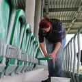 Auch die Sitze werden sauber gemacht