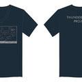 ネイビーのVネックTシャツがポイントです。キーデザイン「粒子加速の図と検出器の基盤」の刷色はグレーに。