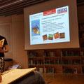 Lesen macht Schule: die Workshopleiterin Tina Schneider stellte Lehrerinnen und Lehrern aus Bonn und Umgebung aktuelle Literatur für den Deutschunterricht vor. © Literaturhaus Bonn