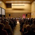 """Wolfgang Kaes spricht im Haus der Bildung mit Moderator Holger Schwab über """"Endstation"""" (Buchpremiere). (c) Thomas Kölsch"""