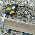 砂利厚さは条件にもよりますが約7センチから10センチ程度敷きます。