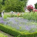 Die Kräuter stammen zwar nicht aus dem Klostergarten, es werden aber nur beste Kräuter aus kontrolliert biologischem Anbau verwendet, die auch Apotheken nutzen.