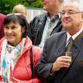 Carla Wilkes und Ortsbürgermeister Dieter Labonde