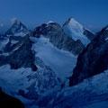 im Gletscherbecken beim Aufstieg zum Rothornjoch