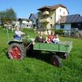 Traktorfahren für die Kinder