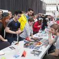 Tag 1: Mathias Kollros und seine Fans - Foto: Katharina Acht