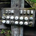 Sicherungen und Schalter am Generatorenunterstand
