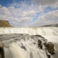 Monatsbild Juli 2013 - Island: Zurück von unserer Islandreise sind wir noch voller Eindrücke von dieser herrlichen Landschaft. Hier einer der vielen Wasserfälle, der Gullfoss.