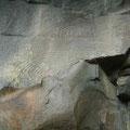 """""""Petroglyphen, so der Fachbegriff, sind auf Teneriffa bisher sehr selten gefunden worden. Petroglyphen sind Zeichen, die von der prähispanischen Bevölkerung Teneriffas in den Stein gemeißelt wurden, ihre Bedeutung ist bis heute noch nicht entschlüsselt."""""""