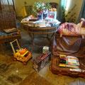 Fast 2 Koffer voll Geschenke, von Amazon Koblenz gespendet.......