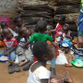 Die Kinder beim Essen.....