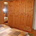Schrank im Doppelbett-Zimmer 1. Stock