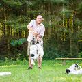 """Die """"Althunde"""" müssen während dem Shooting natürlich auch beschäftigt werden :-D"""