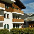 Feriehaus Azurit mit unserer 4.5-Zimmer Ferienwohnung 2. Stock (Balkon Wohnzimmer)