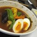 【スープカレー】ナス,パプリカ,つゆ豆,ピーマン,とまと(プチ&桃太郎),オクラ,じゃが芋,人参,キャベツ,卵