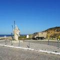 Unser Steyr am Strand bei Sesimbra.