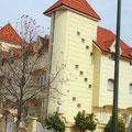 Haus in El Hajeb - Palast und Bruchbude - das liegt in Marokko sehr nah beieinander.