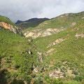 Durch die Berge entlang des Qued Laou.
