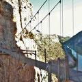 Caminito del Rey - in luftiger Höhe auf der Hängebrücke