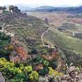 Ronda - Wege im Tal, die eine gute Aussicht auf die Puente Nuevo gewähren