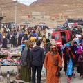 Berbermarkt in einem kleinen Dorf vor Imilchil.