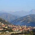 Schöne Blicke auf Taleinschnitte während unserer Fahrt entlang der Mittelmeerküste...
