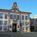 Rathaus im Altstadtviertel von Chaves.