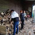 Einmal das Holz neu aufschichten...