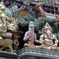 Sogar einen Hintutempel gibt es auf Mahé ( 82,3 % sind katholisch,  2,9 % sind Hindus)
