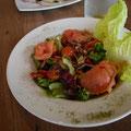 ランチに食べたギリシャ風サーモンサラダ。