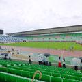 大阪。長居陸上競技場に大学時代の友人の陸上競技の応援。