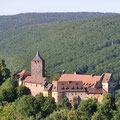 Burg Rothenfels, Blick vom Schlangenbrunn über Burg und Spessarthöhen