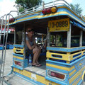 Endlich können wir unser Taxi besteigen welches uns zurück zu unseren Koffern und auf den Bus nach Phuket bringt