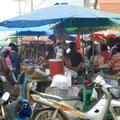 Samstagsmarkt in Ban Sala Dan (Hauptort von Koh Lanta)