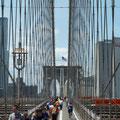 Ausicht auf der Brücke Richtung Brooklyn