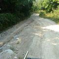 Die Fahrt zu unserer Unterkunft war etwas abenteuerlich. Sehr steile und steinige Wege! Wir mussten uns gut festhalten auf der Ladefläche des Taxis...
