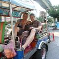 Unser erster Ritt auf dem Tuc-Tuc durch den Verkehrsdschungel von Bangkok