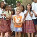 Siena zu Besuch in einer philippinischen Schule