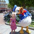 gleich neben Donald Duck