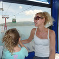 Wir fahren mit der Gondel nach Vinepearl Island