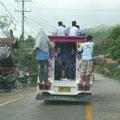 So füllt man einen Jeepney!