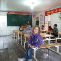 Siena zu Besuch in der kleinen Schule im schwimmenden Fischerdorf